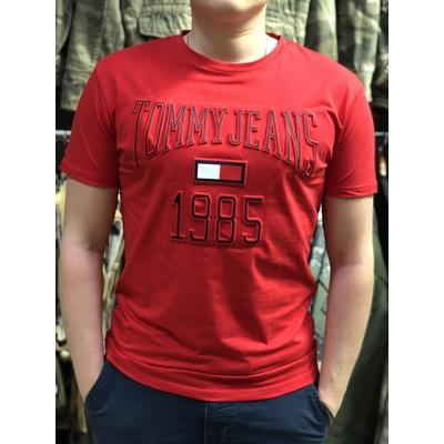 Футболки Tommy Jeans c 3D принтом красная